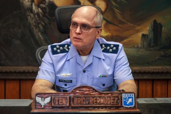 Tenente-Brigadeiro Bermudez fala sobre o Sistema de Saúde