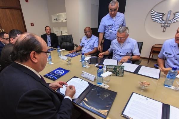 Documentos aprovam uso dual da área aeroportuária da Base Aérea de Santos, em São Paulo, e do Centro de Lançamento de Alcântara, no Maranhão