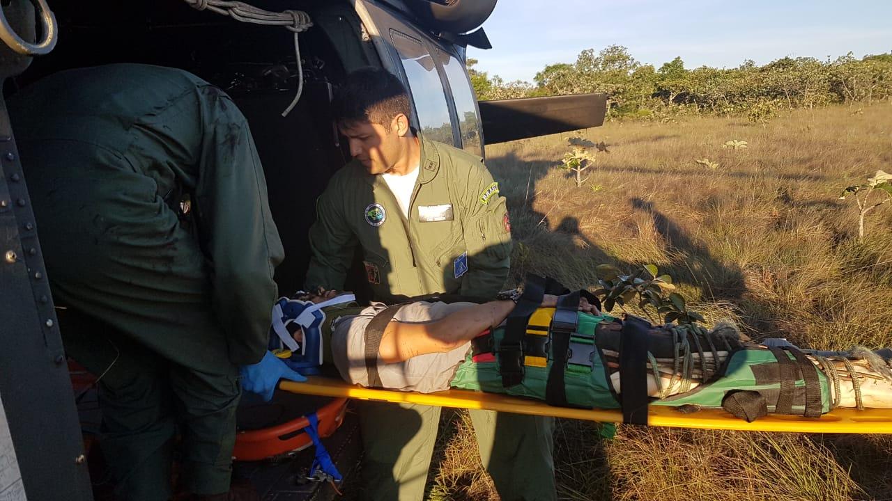 Resgate foi realizado em helicóptero da FAB