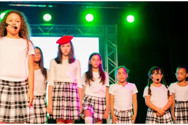 Musical foi encenado por crianças que participam de projeto do DCTA