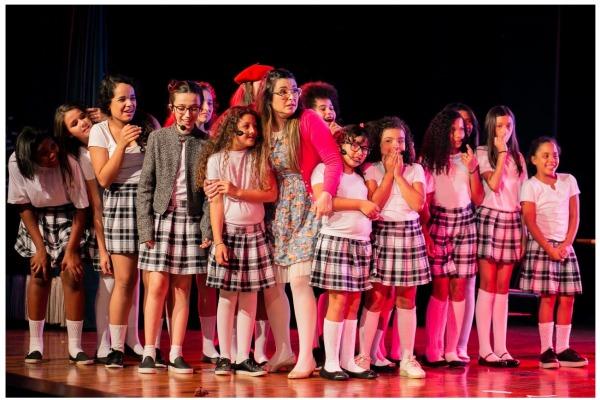 Espetáculos envolveram crianças que participam de projetos nas organizações militares