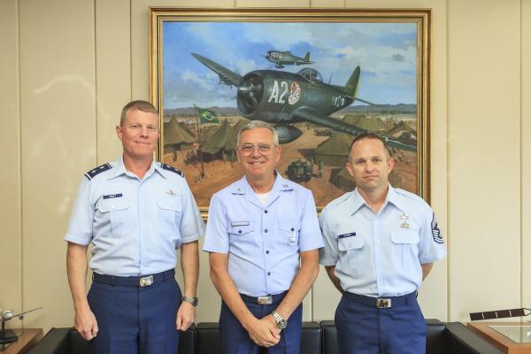 Antes da apresentação, militares norte-americanos estiveram com Comandante da FA