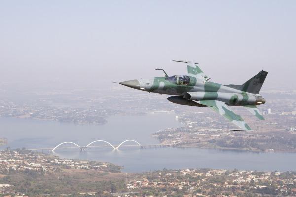 Caças F-5 poderão ser acionados para garantir a defesa aérea do local