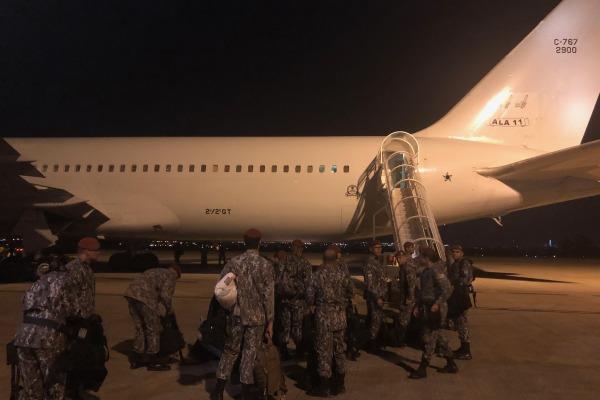 Foram utilizadas duas aeronaves de transporte que saíram de Brasília com destino a Fortaleza