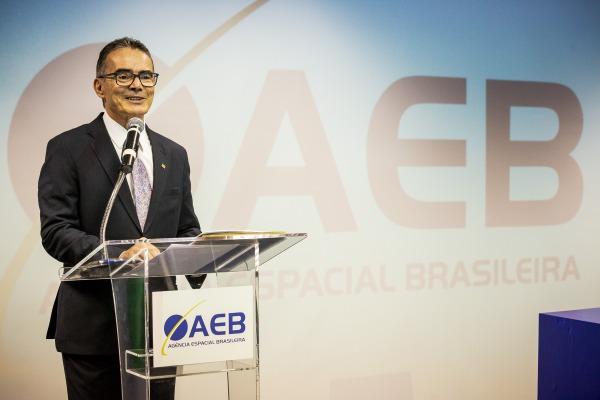 Em seu discurso, novo presidente diz que entre as prioridades está o Programa Espacial Brasileiro