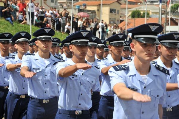 Solenidade foi marcada pela assunção dos 185 estagiários à condição de aluno