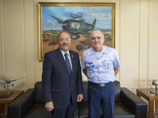 Parlamentar e Comandante trataram de assuntos relacionados ao Estado de Roraima (RR)