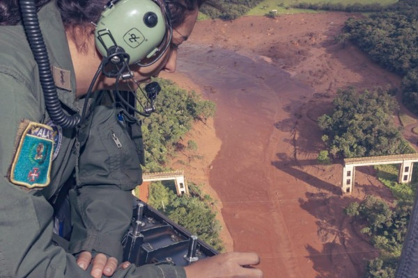 Piloto de combate, paraquedista e responsável por comunicações e controle são algumas das atividades também destinadas às mulheres