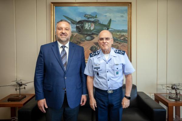 Encontro ocorreu na tarde desta quinta-feira (14) no gabinete do Tenente-Brigadeiro Bermudez em Brasília (DF)