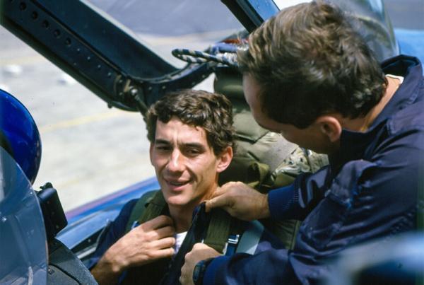 Saiba como foi o voo de Ayrton Senna em uma aeronave de caça da Força Aérea Brasileira há 30 anos