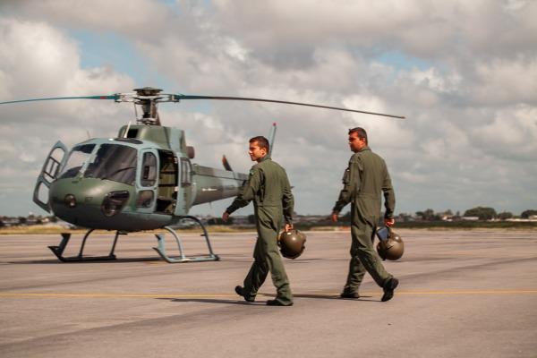 Após um mês de aulas teóricas, os futuros pilotos de combate da FAB começam os treinamentos práticos específicos
