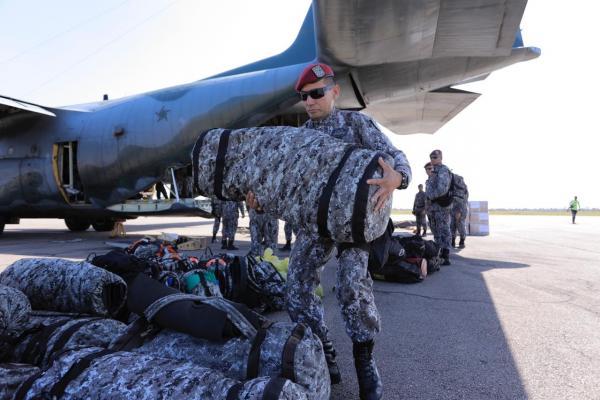 Militares da Força Nacional desembarcam em Moçambique