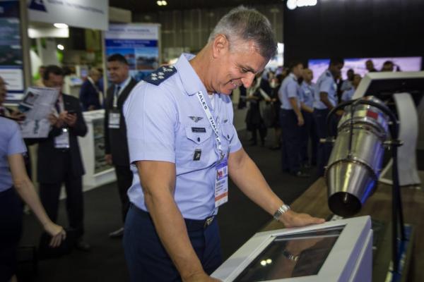 Entre seus projetos, FAB apresentou o Programa Estratégico de Sistemas Espaciais