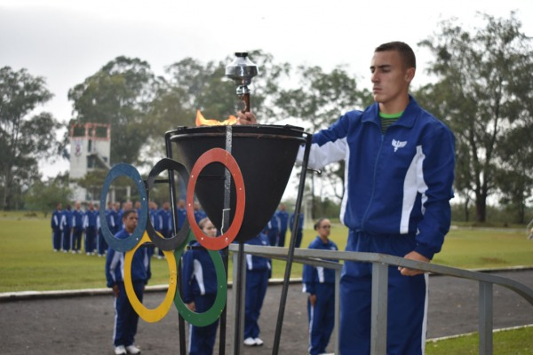 Alunos da EEAR, atletas e comunidade participaram de eventos esportivos