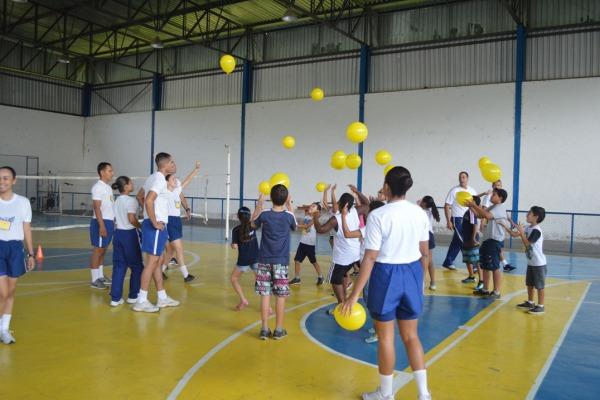 Atividades atenderam a crianças e idosos de Guaratinguetá (SP)