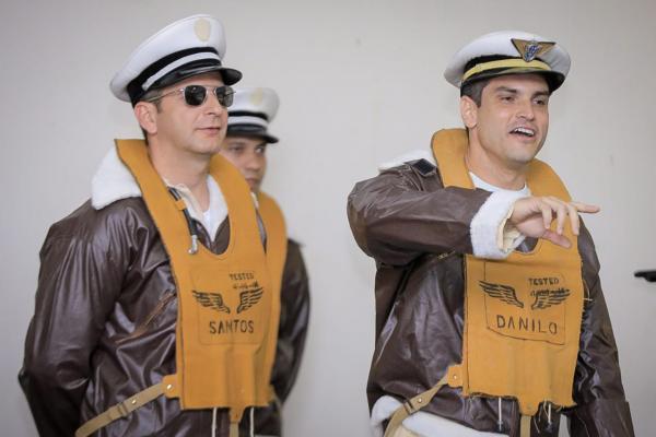 Nesta terça, integrantes da Aviação de Caça se reuniram na Ala 12 e acompanharam a tradicional encenação de episódio da Segunda Guerra