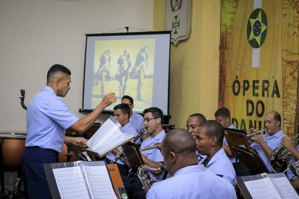 Banda de Música da Ala 12 faz parte da apresentação