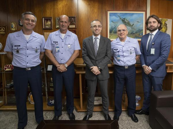 Secretário Executivo da Casa Civil também participou da reunião