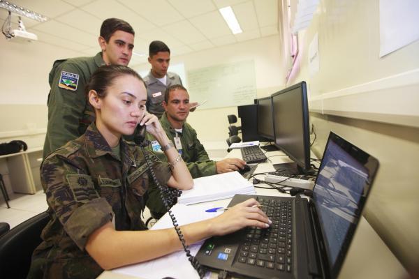 Controladores de tráfego aéreo e pilotos participaram do curso sobre Busca e Salvamento