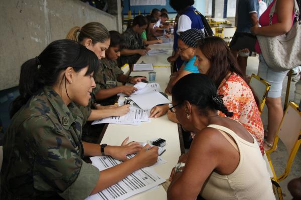 Assistentes sociais da FAB também atuam em situações reais de apoio à população