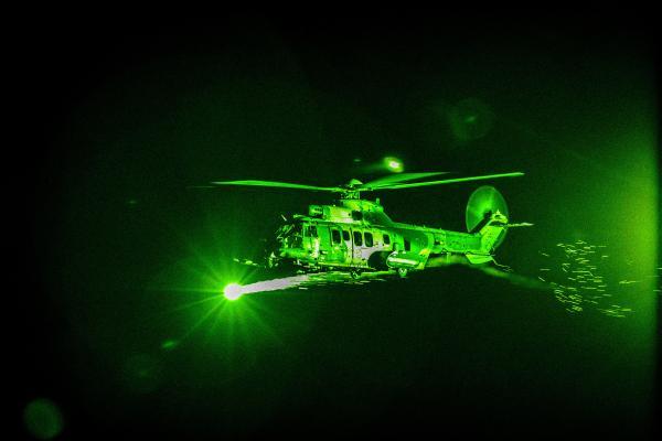 Aeronaves utilizaram óculos de visão noturna