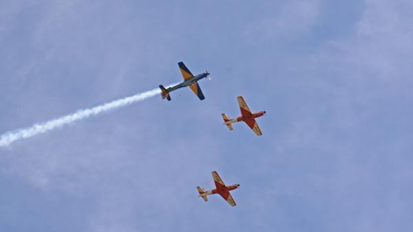Anúncio dos novos pilotos foi realizado por meio de uma interceptação aérea