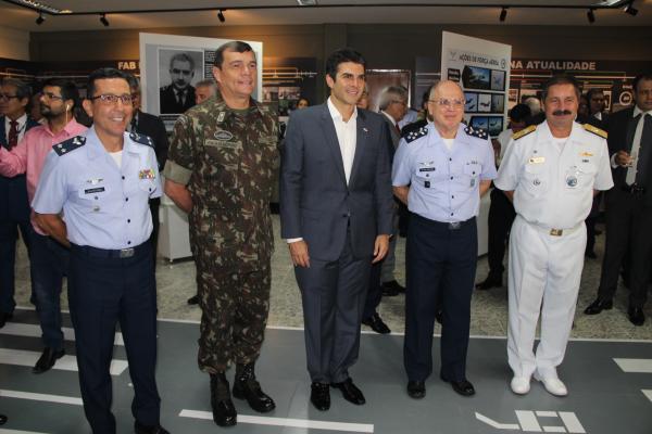 Autoridades civis e militares participam da inauguração do Memorial