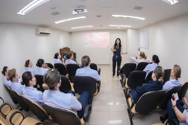 Professoras adjuntas da Universidade de Brasília palestraram para o efetivo da unidade