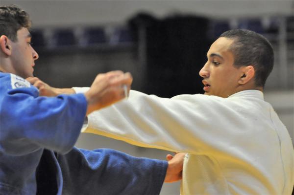 No Campeonato Mundial de Taekwondo, sargentos da Força Aérea ficaram com a prata e o bronze