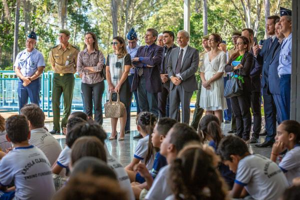 Comitiva foi formada por integrantes dos Ministérios da Defesa, da Cidadania e da Economia, além de parlamentares