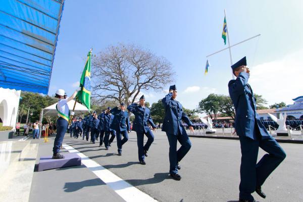 Eventos foram realizados em Guaratinguetá (SP), no Rio de Janeiro (RJ), e em Lagoa Santa (MG); militares participaram de Exercício de Campanha em São Paulo (SP)