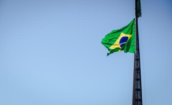 A cerimônia na Praça dos Três Poderes, em Brasília, homenageou Santos-Dumont, Pai da Aviação e Patrono da Aeronáutica Brasileira