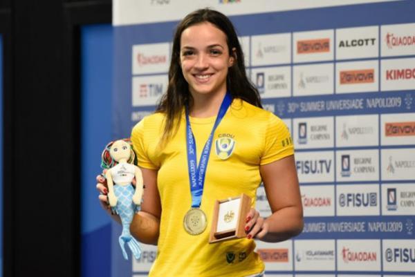 Sargento Jhennifer Alves levou o ouro na disputa dos 50m nado peito em Nápoles na Itália