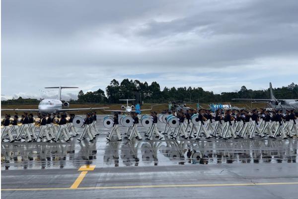 Solenidade durante a F-Air 2019 é alusiva ao centenário da Força Aérea Colombiana