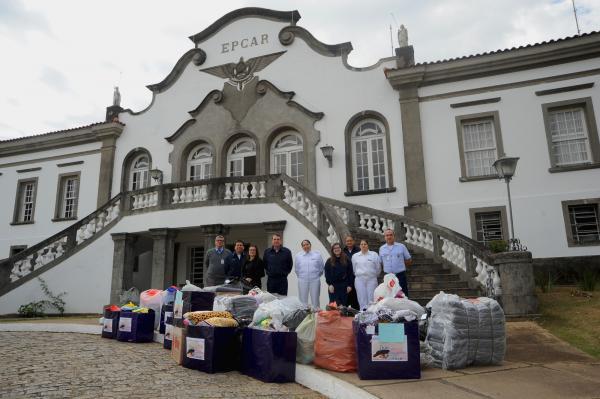 Com participação do efetivo, donativos foram entregues a instituições da cidade