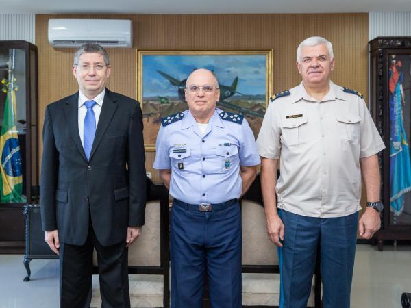 Encontro visa reforçar a cooperação entre as Forças Aéreas dos dois países
