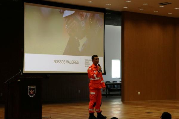 """O tema da palestra foi """"Integridade e Dignidade"""" e faz parte do Programa de Fortalecimento de Valores"""
