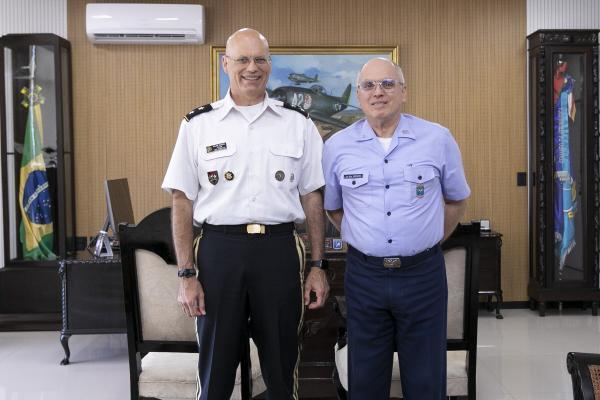 Encontro ocorreu na tarde desta segunda-feira (5) no Comando da Aeronáutica