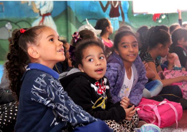 A Base Aérea de São Paulo recebeu 50 meninas entre 07 e 09 anos