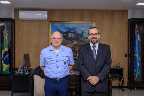 Encontro foi realizado nesta segunda-feira (26), no Comando da Aeronáutica, em Brasília