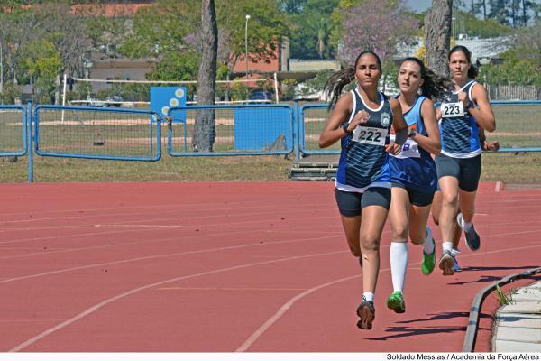 Cerca de 600 atletas das Forças Armadas competem em diversas modalidades esportivas, em Pirassununga (SP)