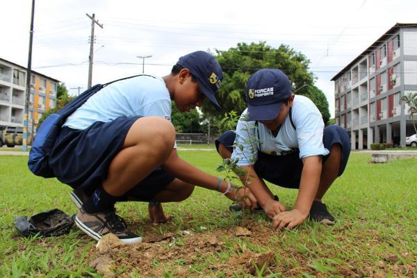 Programa atende 100 crianças, entre 11 e 15 anos, de duas escolas públicas de Manaus (AM)