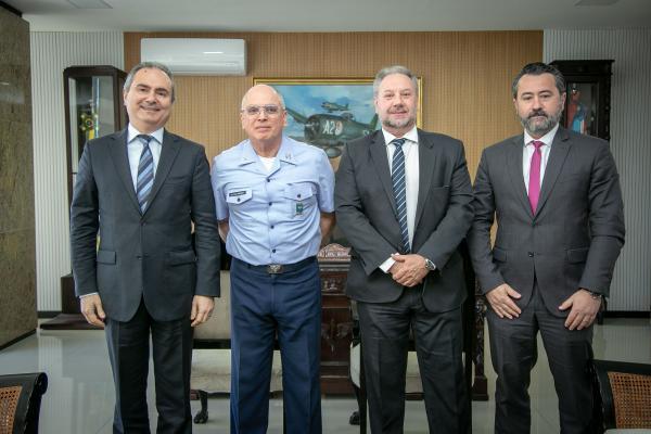 Encontro ocorreu na manhã desta quinta-feira (5), no Comando da Aeronáutica, em Brasília (DF)
