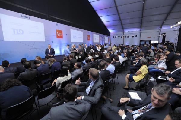 O evento conta com exposição e palestras sobre projetos da Força Aérea Brasileira