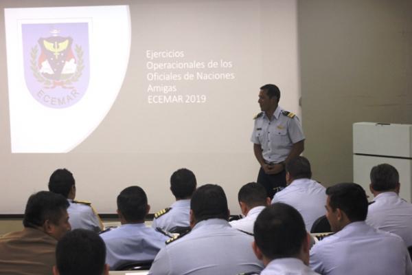 Militares estiveram na Escola de Comando e Estado-Maior da Aeronáutica e no Centro de Gerenciamento da Navegação Aérea