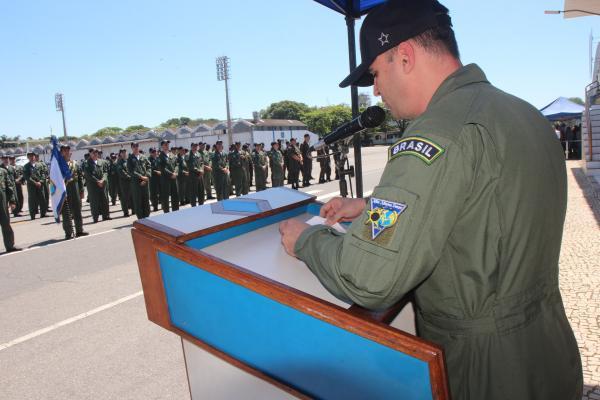 Durante a solenidade, foram homenageados o Graduado e Praça Padrão, a Condor Honorária e ex-Comandantes