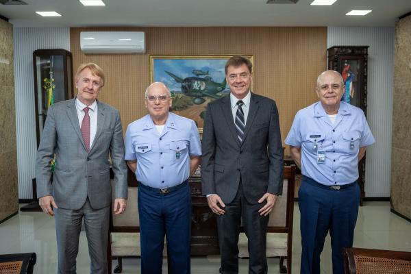 Encontro ocorreu na tarde desta quarta-feira (2) no Comando da Aeronáutica