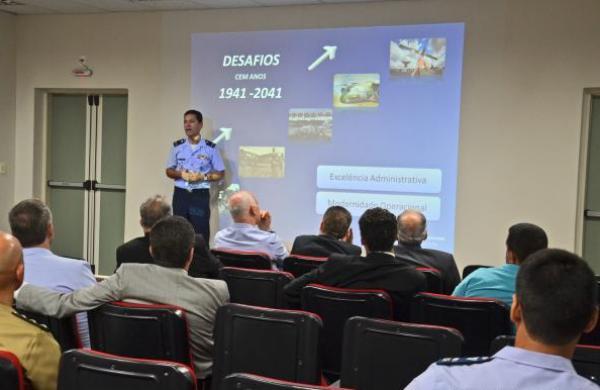 Objetivo foi apresentar aos parlamentares as unidades da Força Aérea Brasileira