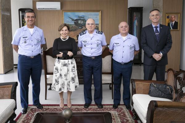 Encontro ocorreu na tarde desta terça-feira (8), no Comando da Aeronáutica, em Brasília (DF)