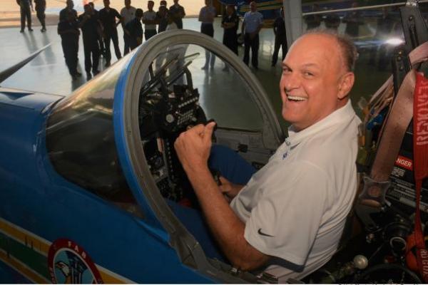 Ele também realizou um encontro com os esquadrões do Corpo de Cadetes da Aeronáutica pelo PFV